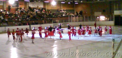 Small Figure Skaters