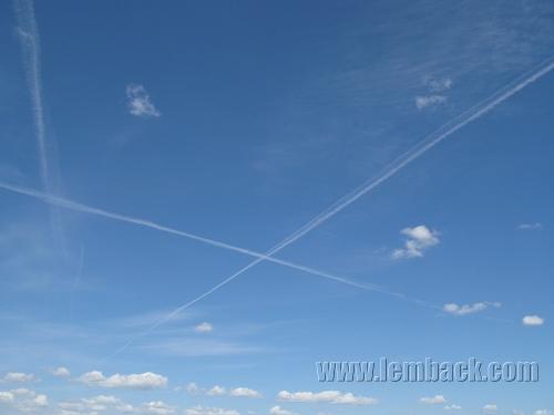 crisscross-sky