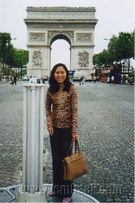 at the Champs-Élysées 02