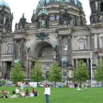 Summer Hangout At The Berlin Cathedral