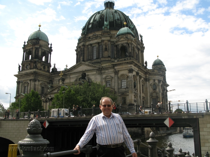 The Berlin Cathedral in the background