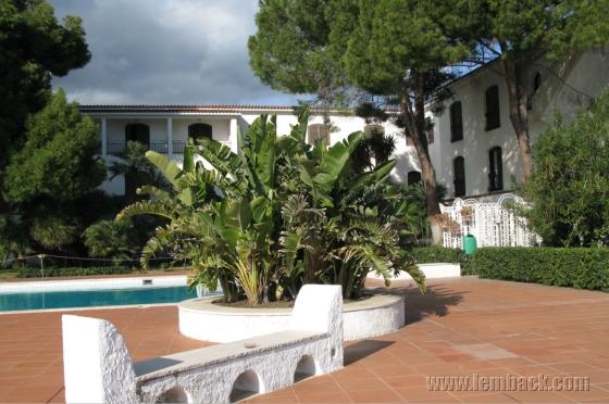 Hotel Baia Verde poolside