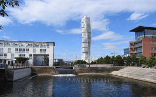 Photos: The Turning Torso in Malmö, Sweden