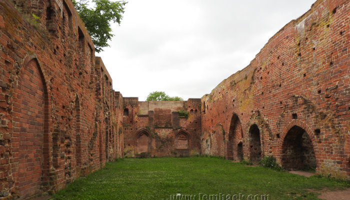 Exploring The Great Ruins of Eldena Abbey